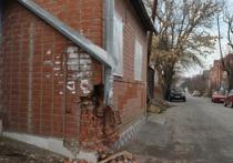 В Краснодаре водитель протаранил на угнанном